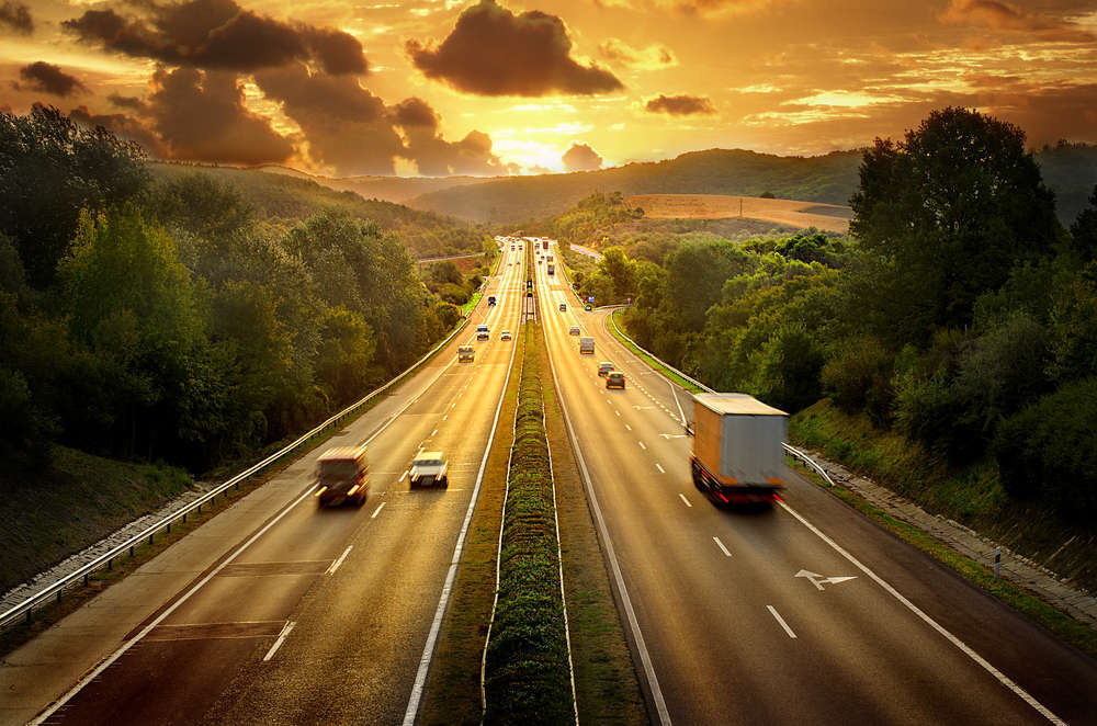 El transporte internacional de vehículos cada vez más demandado